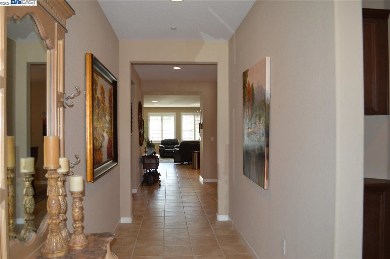 Photo of 9836 Key West Way, DISCOVERY BAY, CA 94505 (MLS # 40947592)