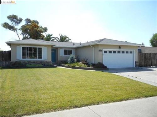 Photo of 3517 Mountaire Dr, ANTIOCH, CA 94509 (MLS # 40889593)