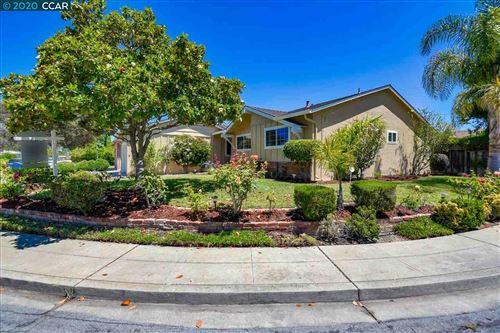 Photo of 42848 Ravensbourne Park St, FREMONT, CA 94538 (MLS # 40911596)