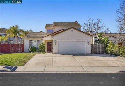 Photo of 486 Beaulieu Ln, OAKLEY, CA 94561 (MLS # 40938597)