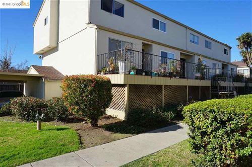 Photo of 355 Laurel Ave #11, HAYWARD, CA 94541-7624 (MLS # 40934598)