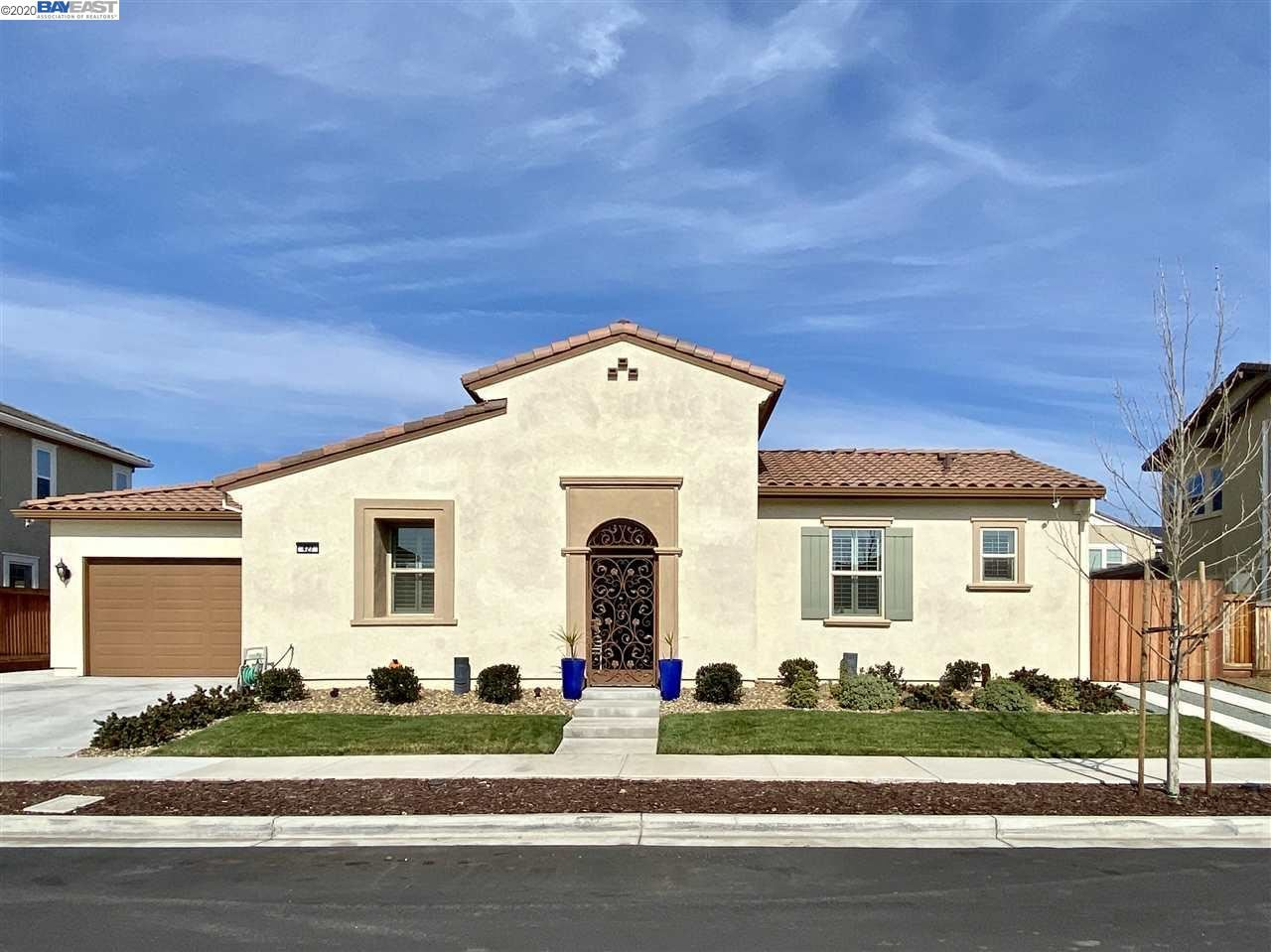 Photo for 427 Bloomfield Ct, BRENTWOOD, CA 94513 (MLS # 40895599)
