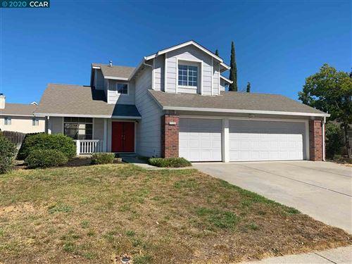 Photo of 2122 Verona Ave, OAKLEY, CA 94561 (MLS # 40922601)