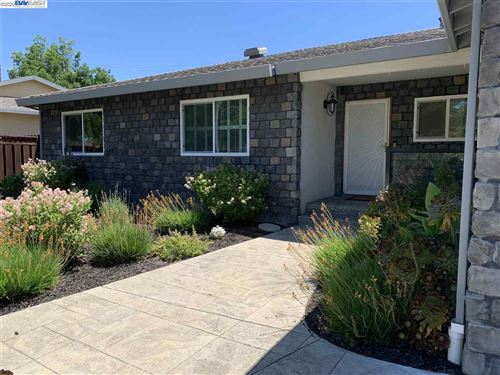 Photo of 8019 Bristol Rd, DUBLIN, CA 94568 (MLS # 40906604)