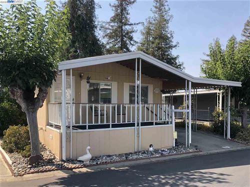 Photo of 3231 Vineyard Avenue #20, PLEASANTON, CA 94566 (MLS # 40919604)