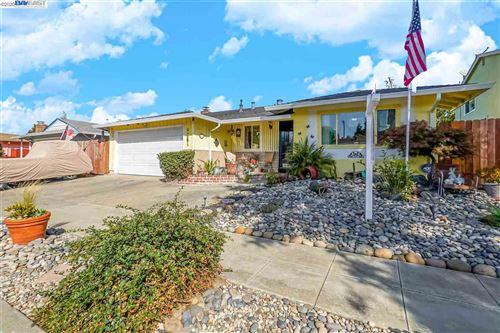 Photo of 1261 Radcliff Ln, HAYWARD, CA 94545 (MLS # 40922604)