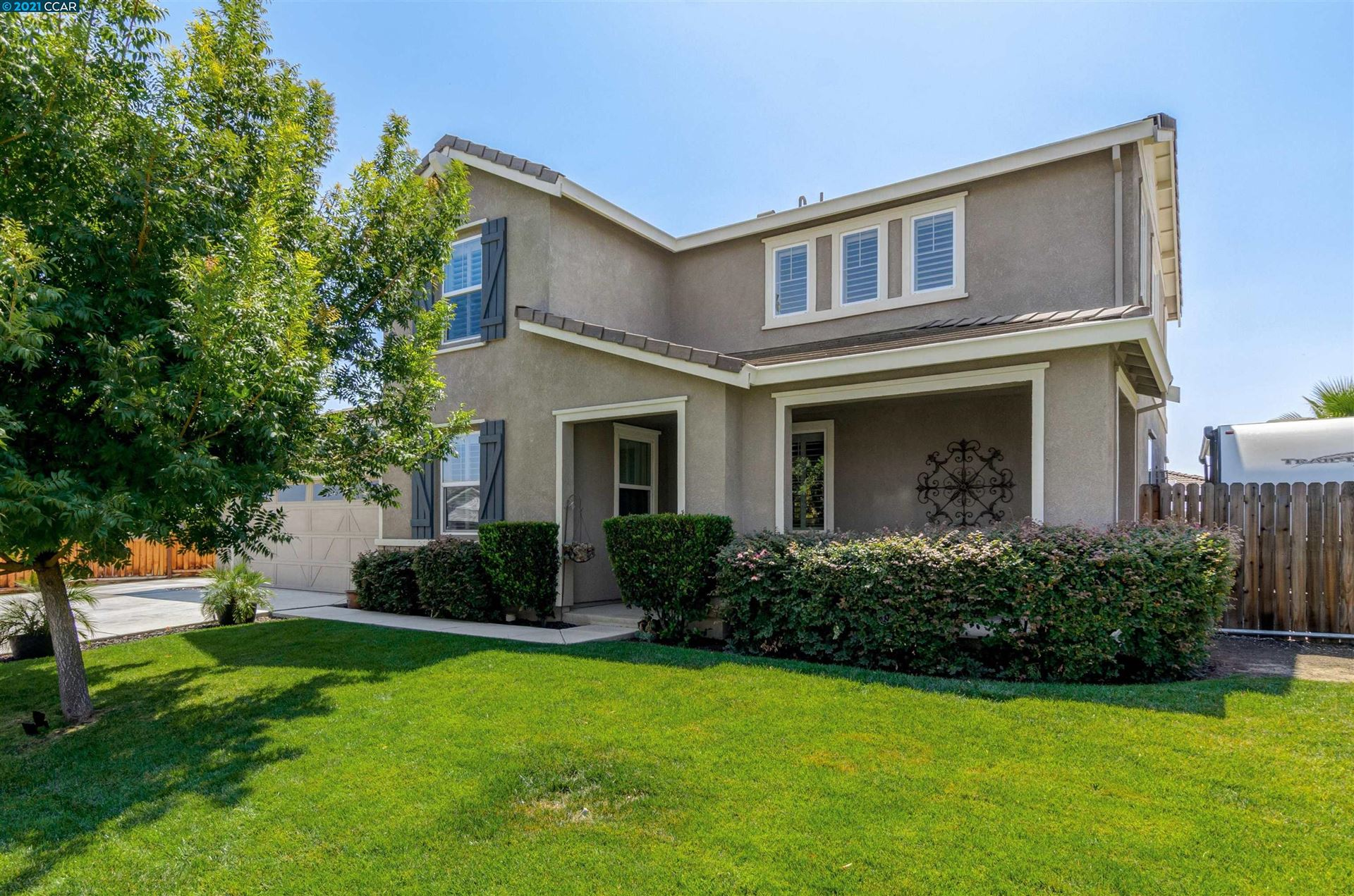 Photo of 916 Poppy Dr, BRENTWOOD, CA 94513 (MLS # 40964608)