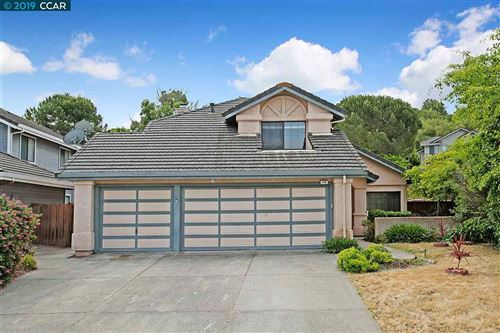 Photo of 148 Lapis Ct, HERCULES, CA 94547 (MLS # 40890609)