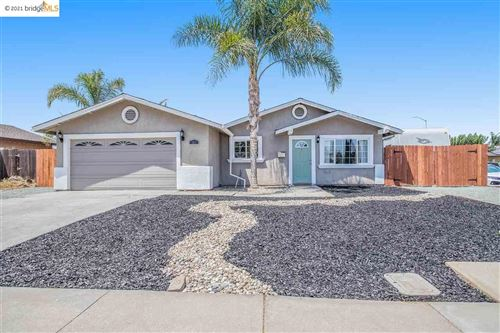 Photo of 391 Village Dr, BRENTWOOD, CA 94513 (MLS # 40959609)