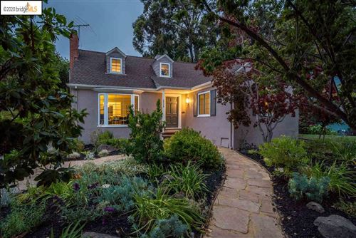 Photo of 3775 Silverwood Ave, OAKLAND, CA 94602 (MLS # 40915612)