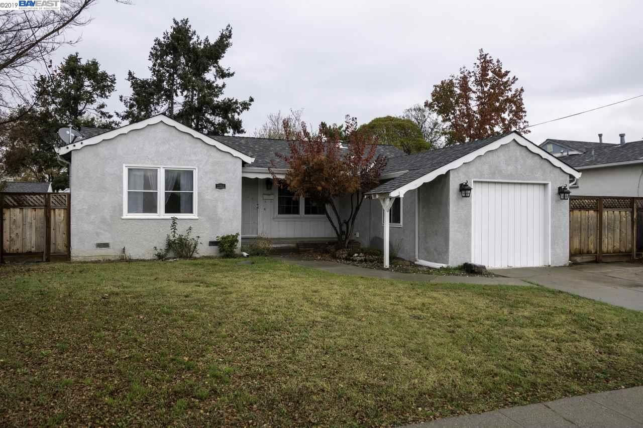 Photo for 2316 Lessley Ave, CASTRO VALLEY, CA 94546 (MLS # 40890612)