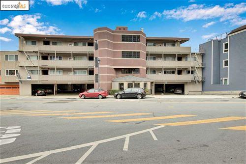 Photo of 655 Corbett Avenue #102, SAN FRANCISCO, CA 94114 (MLS # 40914613)