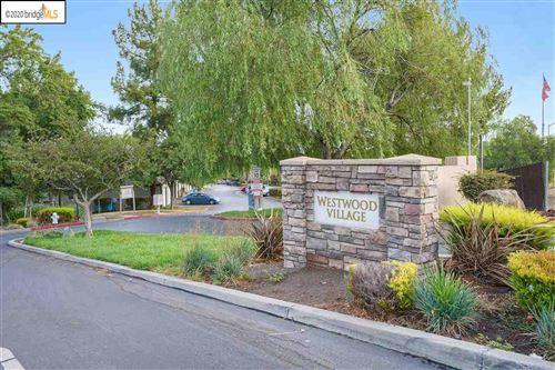 Photo of 651 Chadwick Ln, BAY POINT, CA 94565 (MLS # 40920614)