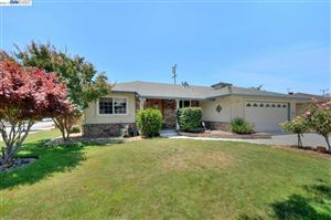 Photo of 38919 Le Count Way, FREMONT, CA 94536 (MLS # 40873617)