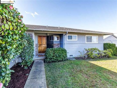 Photo of 2744 Lincoln Ln, ANTIOCH, CA 94509 (MLS # 40890617)