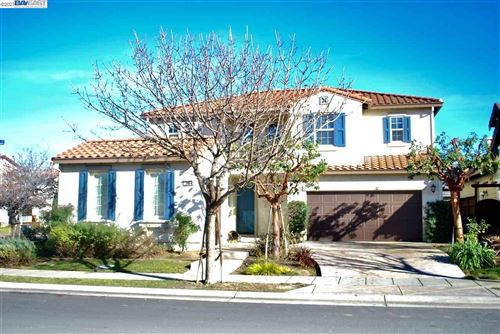 Photo of 94 N Echo Park Ct, MOUNTAIN HOUSE, CA 95391 (MLS # 40933617)