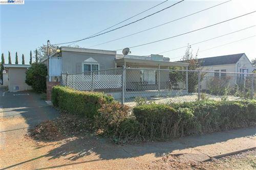 Photo of 20524 Wisteria Street, CASTRO VALLEY, CA 94546 (MLS # 40929618)