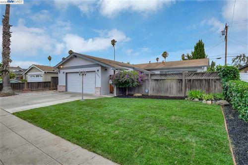 Photo of 39617 Banyan Tree Rd, FREMONT, CA 94538 (MLS # 40915619)