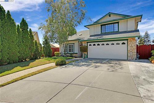 Photo of 2587 Bishop Ave, FREMONT, CA 94536 (MLS # 40910622)