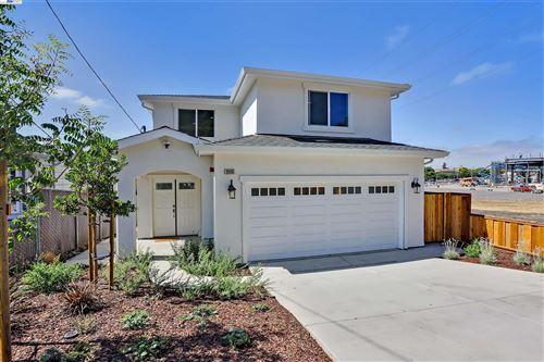 Photo of 25105 Del Mar Ave, HAYWARD, CA 94542 (MLS # 40967622)