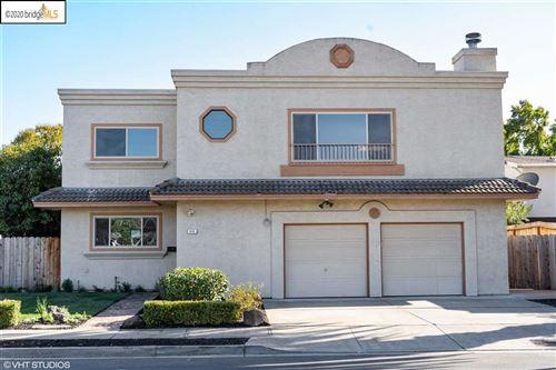 Photo of 614 Green St, MARTINEZ, CA 94553 (MLS # 40920623)