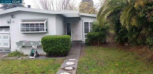 Photo of 2746 Barnard St, RICHMOND, CA 94806 (MLS # 40890624)