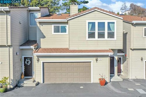 Photo of 6 Heritage Oaks Rd, PLEASANT HILL, CA 94523 (MLS # 40934624)