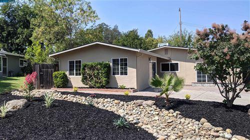 Photo of 5335 Maui Way, FAIR OAKS, CA 95628 (MLS # 40967628)