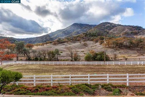Photo of 2801 Morgan Territory Rd, CLAYTON, CA 94517 (MLS # 40890634)