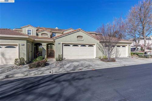 Photo of 22019 E Lyndon Loop, CASTRO VALLEY, CA 94552 (MLS # 40896634)
