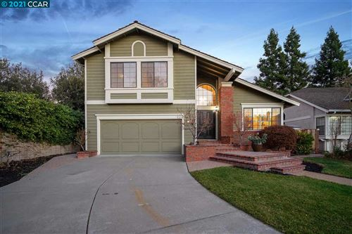 Photo of 50 Stratford Ct, DANVILLE, CA 94506 (MLS # 40934634)