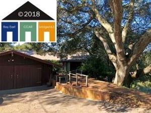 Photo of 24 Hall Dr, ORINDA, CA 94563 (MLS # 40803637)
