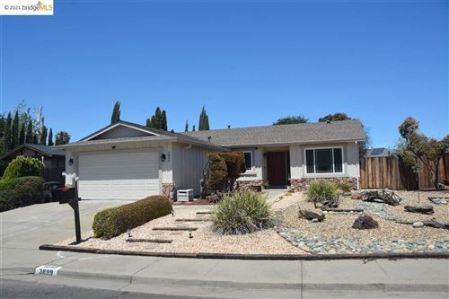 Photo of 3899 Meadowbrook Cir, PITTSBURG, CA 94565 (MLS # 40953637)