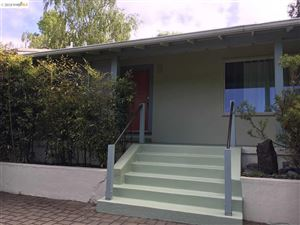 Photo of 1124 Woodside Rd, BERKELEY, CA 94708 (MLS # 40848638)
