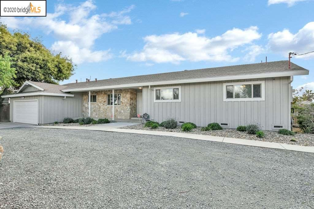Photo of 1860 E 18Th St, ANTIOCH, CA 94509 (MLS # 40900639)