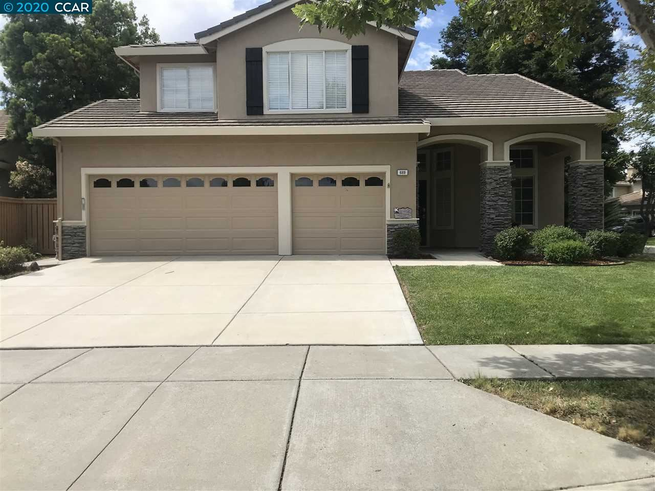 Photo of 689 Apple Hill Dr, BRENTWOOD, CA 94513 (MLS # 40906639)