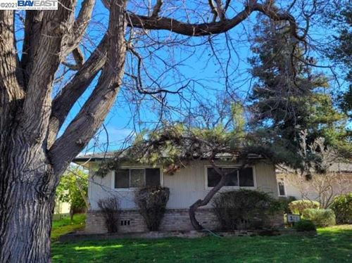 Photo of 328 Washburn Dr, FREMONT, CA 94536 (MLS # 40935642)