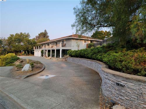 Photo of 18057 Jaymark Ct, CASTRO VALLEY, CA 94546 (MLS # 40967647)