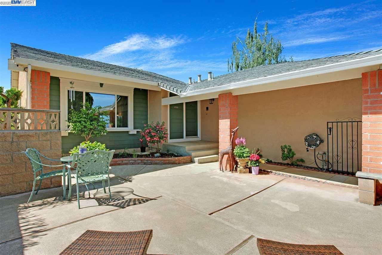 Photo for 2958 Winchester Dr, HAYWARD, CA 94541 (MLS # 40905647)