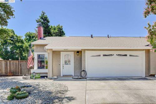 Photo of 4197 Pinon Way, LIVERMORE, CA 94551 (MLS # 40915648)