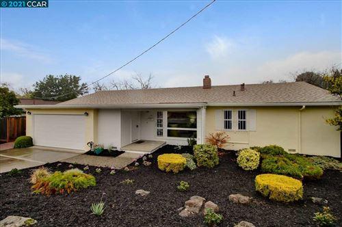 Photo of 143 Lockwood Ln, PLEASANT HILL, CA 94523 (MLS # 40933652)