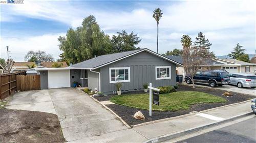 Photo of 1190 Hibiscus Way, LIVERMORE, CA 94551-1321 (MLS # 40939654)