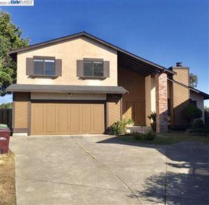 Photo of 28045 Fallbrook Dr, HAYWARD, CA 94542 (MLS # 40844656)
