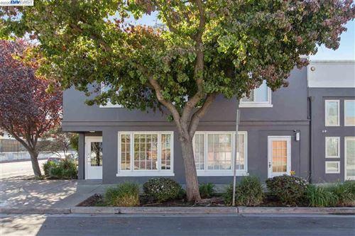 Photo of 4300 HORTON STREET #Corner Loft 15, EMERYVILLE, CA 94608 (MLS # 40925657)