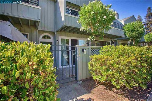 Photo of 117 Glenbridge Ct, PLEASANT HILL, CA 94523 (MLS # 40910658)