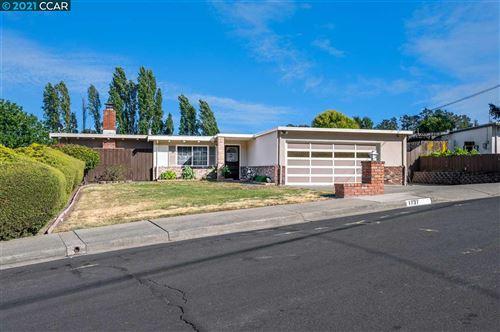 Photo of 1737 El Toro Way, PINOLE, CA 94564 (MLS # 40953658)