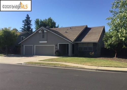 Photo of 5480 Goldenrod Dr, LIVERMORE, CA 94551 (MLS # 40915660)