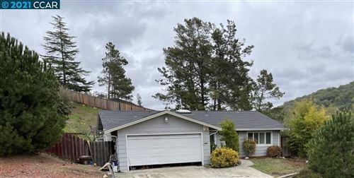 Photo of 2303 Monte Verde Dr, PINOLE, CA 94564 (MLS # 40935660)