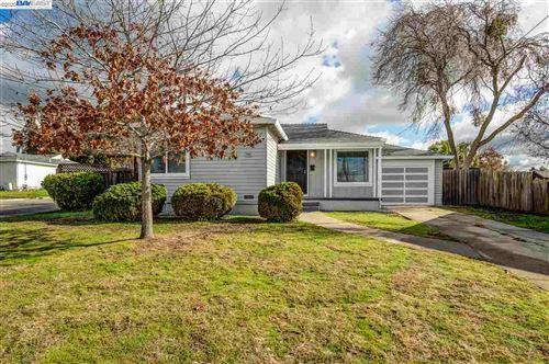 Photo of 22074 YOUNG AVE., CASTRO VALLEY, CA 94546 (MLS # 40892661)
