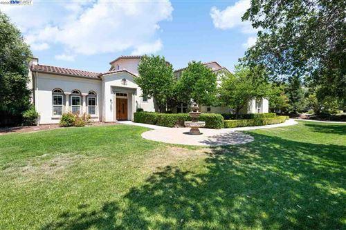 Photo of 900 Sycamore Rd, PLEASANTON, CA 94566 (MLS # 40910661)